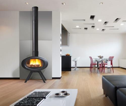 po le bois chemin es philippe vercour. Black Bedroom Furniture Sets. Home Design Ideas